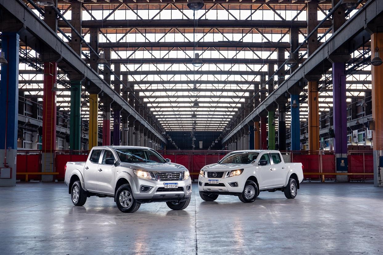 Nissan completa la gama de su pickup Frontier de producción nacional
