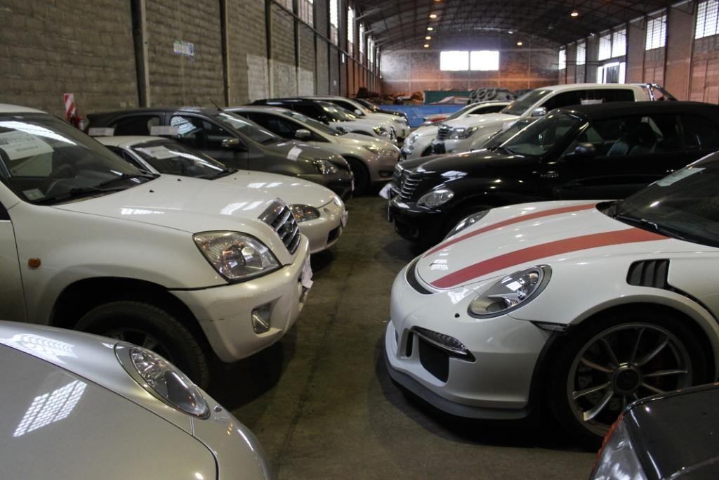 Los 38 autos de alta gama secuestrados en la causa por lavado y contrabando ya están protegidos en un depósito del estado