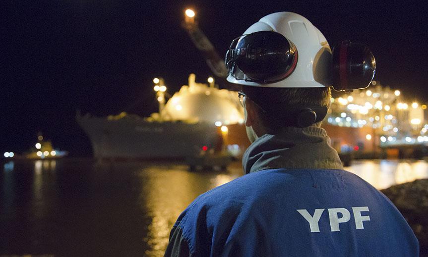 YPF estimó que se podrá dejar de importar GNL en el invierno de 2021