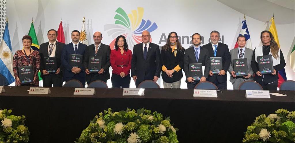 Las aduanas del Mercosur y la Alianza del Pacífico acordaron simplificar los trámites del comercio exterior
