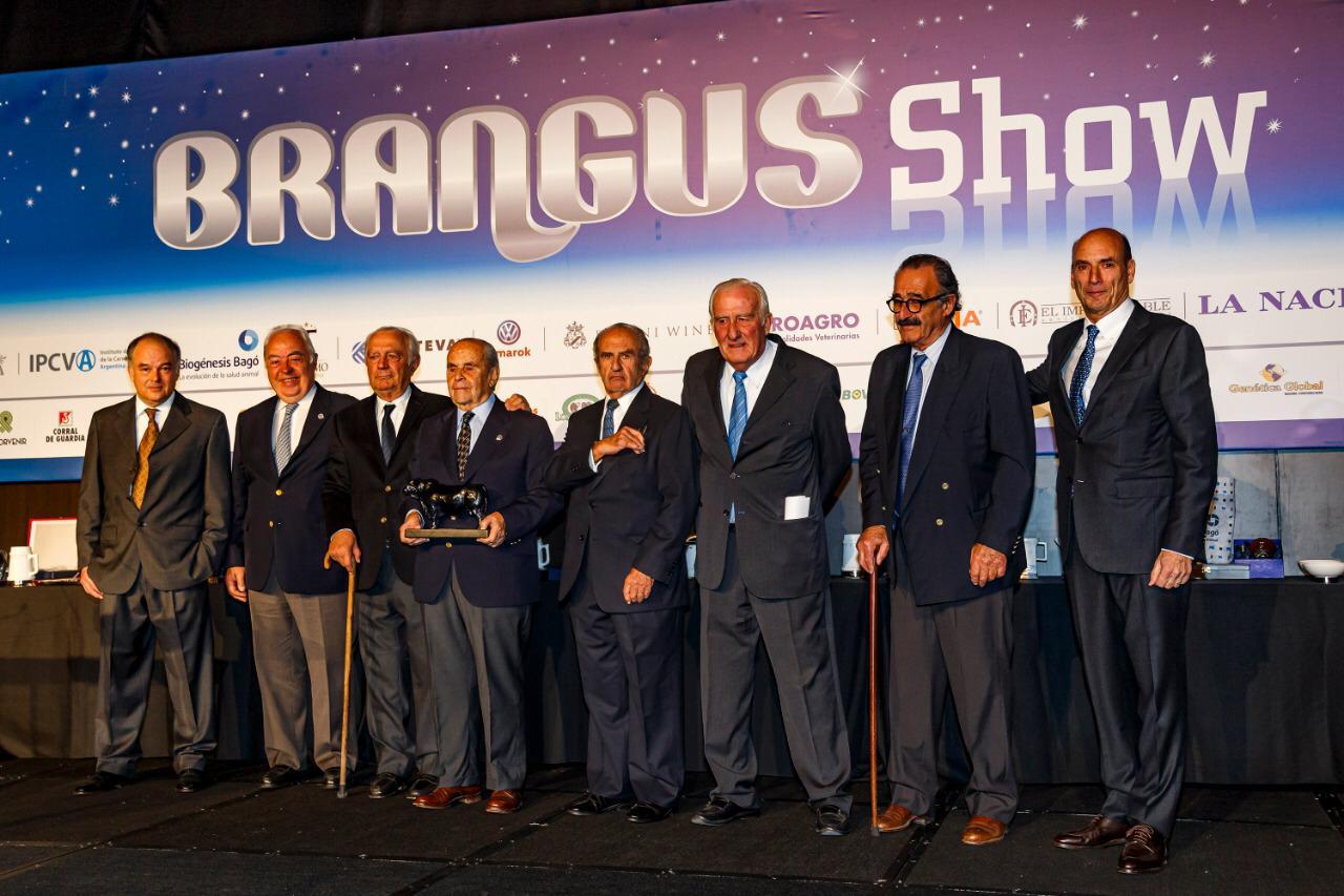 El Brangus Show brilló de emoción en una noche a pura genética y mística Brangus.